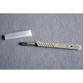 Sterile Single use disposable scalpel (size 10)